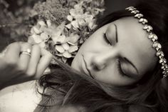 bride, wedding, flowers, pose, sleep, black and white, mono  sussex based vintage style photographer.  www.ruby-roux.com