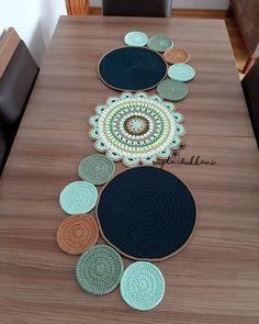 Crochet Table Mat, Crochet Table Runner Pattern, Crochet Coaster Pattern, Crochet Flower Patterns, Crochet Diagram, Crochet Designs, Crochet Flowers, Crochet Decoration, Crochet Home Decor