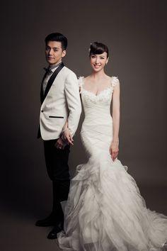 Sweet and simple studio shot | Studio Pre-wedding Photoshoot by MosquitoYao Photography | OneThreeOneFour