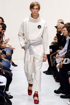 J.W. Anderson Spring 2016 Menswear Collection Photos - Vogue Big Cuff and band
