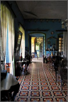 Posting today, a feature about the Goan residential architecture and interiors appeared in the Nov 2011 issue of India Today Homes. Indian Room, Indian Home Decor, Moroccan Decor, City Bathrooms, British Colonial Style, Traditional House Plans, Residential Architecture, Old Houses, Interior Decorating