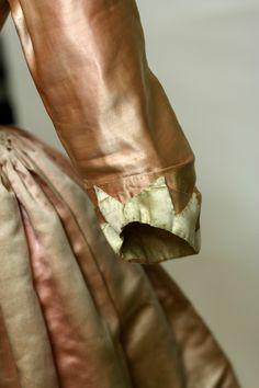Century Dress Overdress, silk, L 62 in. 18th Century Dress, 18th Century Costume, 18th Century Clothing, 18th Century Fashion, Historical Costume, Historical Clothing, Viktorianischer Steampunk, Renaissance, Vintage Outfits