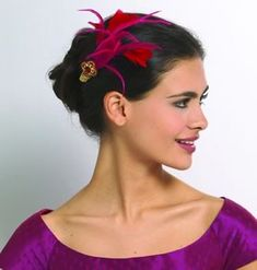 How to Make a Fascinator Headpiece    http://www.simplicity.com/t-how-to-make-feathered-headpiece.aspx