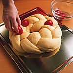Tsoureki - a traditional, sweet, Greek Easter bread bread Greek Easter Bread Greek Easter Bread, Greek Bread, Easter Bread Recipe, Easter Recipes, Greek Recipes, Wine Recipes, Best Greek Food, Desserts Ostern, Greek Cooking