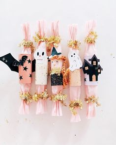 Make your Halloween festivities POP with these DIY Halloween Party Poppers! Halloween Party Costumes, Halloween Season, Holidays Halloween, Halloween Crafts, Halloween Dinner, Kid Crafts, Holiday Crafts, Halloween Activities For Toddlers, Ornaments