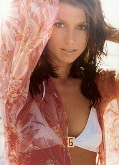 A Look at Amazingly Gorgeous Actress Bridget Moynahan Beautiful Female Celebrities, Beautiful Actresses, Gorgeous Women, Hot Actresses, Beautiful People, Billy B, Taurus, Bridget Moynahan, Hot Brunette