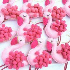 Flamingo bunting ❤ More