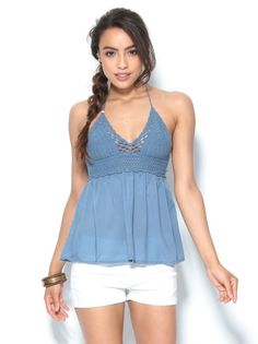 Blusa top con ganchillo escote halter anudada a la nuca Blusas Top, Ideias Fashion, Tankini, Rompers, Crochet, Swimwear, Capsule, Tops, Dresses
