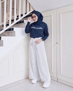 Fashion Outfits Hijab Casual Ideas Source by Outfits hijab Modern Hijab Fashion, Street Hijab Fashion, Hijab Fashion Inspiration, Muslim Fashion, Modest Fashion, Fashion Outfits, Trendy Fashion, Hijab Fashion Summer, Ootd Fashion