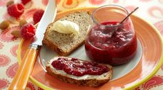 Nøddebrød med hurtige hindbær | Letliv