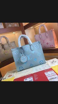 Luxury Purses, Luxury Bags, Luxury Handbags, Fashion Handbags, Cute Handbags, Purses And Handbags, Sacs Louis Vuiton, Cute Purses, Cute Bags
