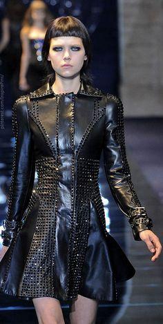 Milan Fall 2012 - Versace