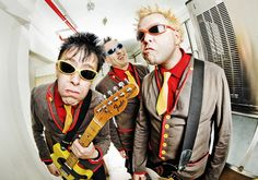 LEGIÃO DO ROCK AND ROLL: THE TOY DOLLS