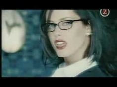 AQUA的女主唱單飛作 雖然很多人可能還是比較喜歡原本AQUA的歡樂氣氛,但我卻很喜歡轉型後的LENE Lene Nystrom - It's Your Duty (To Shake That Booty)