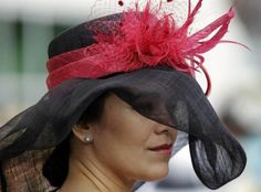 Amazing hats at Kentucky Derby, outfit, photography