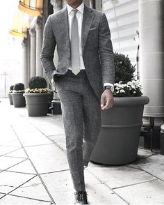 Awesome monochrome suit look the suit looks like it's linen which give it a texture and dimension to the combo #menswear #menstyle #suit #linen #mensfashion #monochrome