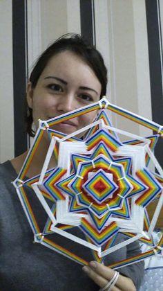 Gods Eye, Thread Art, String Art, Fiber Art, Dream Catcher, Macrame, Art Projects, Arts And Crafts, Weaving