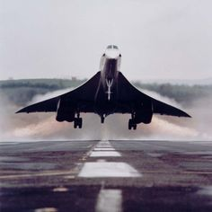 Concorde at take off 2