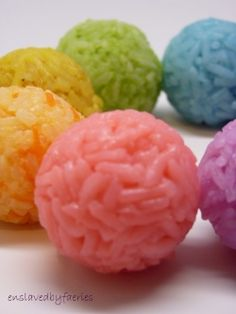 homemade healthy food coloring makes for pretty food like rice balls with health benefits instead of health breaking side effects ~K