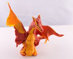 dragon feu , figurine en porcelaine froide , environ 12 cm Dragons, Dinosaur Stuffed Animal, Toys, Animals, Cold Porcelain, Fire, Figurine, Activity Toys, Animales