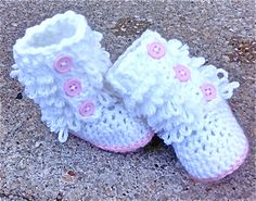 crochet Baby Booties Pink/ white Furry Booties от cmiron на Etsy, $20.00