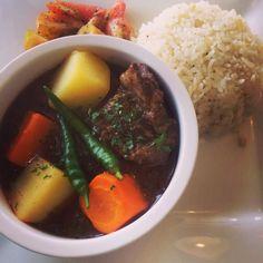 Beef stew Pot Roast, Stew, Meat, Ethnic Recipes, Food, Carne Asada, Roast Beef, Essen, Meals