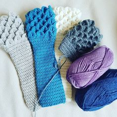 Crocodile stitch wristwarmers. 100% merino wool. Many new colours on their way for spring! #yummy #art #design #creative #spring #crochet #smallbusiness #entrepreneur #selfemployed #wristwarmers #hackney #london #islington #dalston #sleeves #crochetfashion #fashion #hobbies #ambition #etsy #notonthehighstreet #unique #instacrochet #loveit #progress by caramacchiato