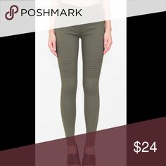 BOGO Moto-inspired Jeggings These are the perfect moto inspired jeggings. Super comfortable with just the right amount of stretch in a versatile Olive color. Available in S/M. Fits 4-6. 65/30/5 poly/cotton/spandex Pants Skinny