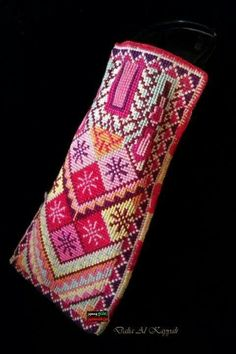 Palestinian Handicrafts Cross Stitching, Cross Stitch Embroidery, Embroidery Patterns, Cross Stitch Designs, Cross Stitch Patterns, Palestinian Embroidery, Couture Embroidery, Handicraft, Elsa