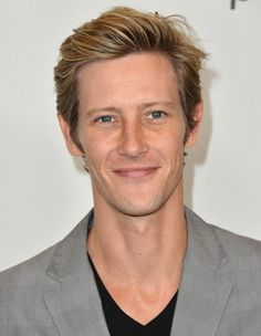Gabriel Mann - Nolan Ross in Revenge- millionaire best friend who is your partner in crime? heck yea!