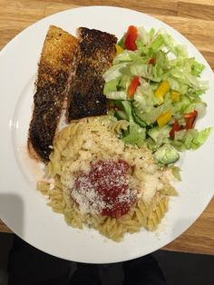 Grilled salmon with salad and pasta. 10 minutes.