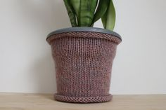 Flower pot cozy - Potted plant cozies - Pink knit home decor - Knit cozy - Gift for plant lover - Decorative pot cover - Cozies - Plant