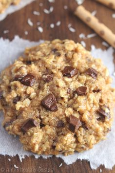 Clean-Eating Almond Joy Oatmeal Cookies -- these skinny cookies don't taste healthy at all! Change out to gf flour.