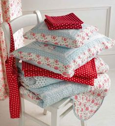 home linens in aqua and red