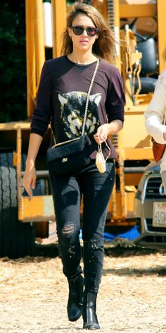 JESSICA ALBA At the pumpkin patch in Beverly Hills, Jessica Alba took her girls pumpkin shopping in a fall-ready ensemble: A wolf sweatshirt...