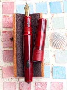 Nakaya Moon Cat Uncapped - The only $1,000+ fountain pen that I really want.