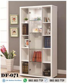Lemari Buku Pintu Kaca Minimalis Harga Murah Jual Rak Buku Pintu Kaca bahan Kayu harga Murah berkualitas di delima furniture produck terlengkap