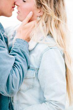 Hochzeitsfotograf, Karlsruhe, Cornwall, wedding photography, Germany, german, Hochteitsfotografie, photographer, couple, engagement session, Bude, sea, love, cliffs, maer, boho, denim jacket