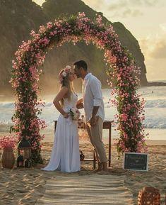 So sweet 😍😍 Foto Wedding, Boho Beach Wedding, Lace Beach Wedding Dress, Sydney Wedding, Elope Wedding, Wedding Bride, Destination Wedding, Dream Wedding, Wedding Dresses