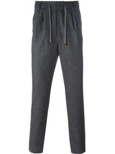 Купить Brunello Cucinelli брюки на резинке  в Tiziana Fausti from the world's best independent boutiques at farfetch.com. 400 бутиков, 1 адрес. .
