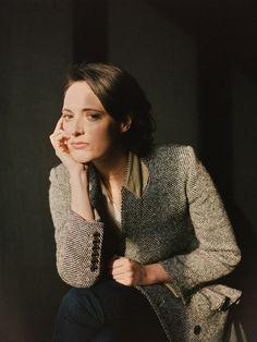 Rosewater and Rain — tsaifilms: Phoebe Waller-Bridge - The New York. Pretty People, Beautiful People, Beautiful Women, Edinburgh Festival, Intimate Games, Phoebe Waller Bridge, Style Icons, Actors & Actresses, Muse