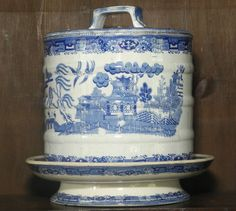 Staffordshire blue willow pattern transferware cheese keep C1850