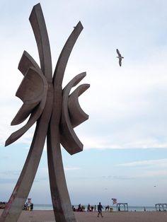 Costinesti, Constanta, Romania. #blacksea #beach #romania #obelisc Constanta Romania, Sports Nautiques, Station Balnéaire, Black Sea, Wind Turbine, School, Beach, Nature, Pictures