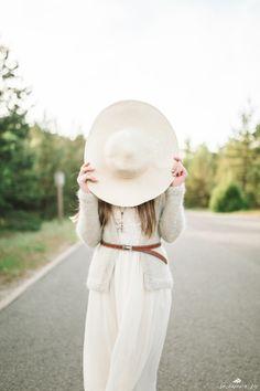 foto - Tatjana Sozonova sozonova.ru, sozonova, fineart, film, fuji400h, film foto, wedding, wedding foto, fine art wedding, boho, машина, невеста, букет, flowers, шляпа