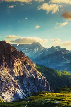 mstrkrftz: the Dolomites at sunset by Peter Zelei