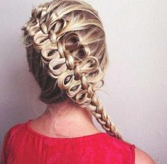 Holy crow a bow braid looks so cool French Braid Hairstyles, My Hairstyle, Pretty Hairstyles, Hairstyles Haircuts, Balayage Hairstyle, French Braids, Long Haircuts, Blonde Balayage, Love Hair