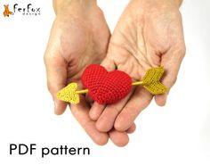 Сrochet heart with arrow  #amigurumi_pattern by #FerFoxDesign