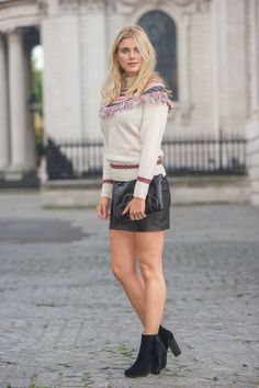 Ashley James wears the Artisan Fringed Jumper - http://www.oasis-stores.com/artisan-fringed-jumper/cardigans-&-jumpers/oasis/fcp-product/5582559?cm_sp=Social-_-Feature-_-Blogger-_-AshleyJames