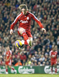 Fernando Torres in Liverpool FC. Liverpool Fc, Liverpool Football Club, Liverpool Legends, Soccer Skills, Soccer Tips, Ac Milan, Chelsea Fc, Football Soccer, Football Players
