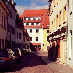 Rundgang VI V - links die Touristeninformation rechts der Dom  #diewocheaufinstagram #ausflug #momentaufnahme #altstadt #freiberg #sachsen